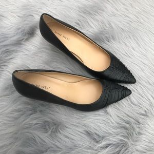 Nine West NWOT Black Pointed Toe Kitten Heel 9